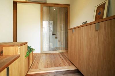 玄関 (ちはら台の家-築19年のフルリノベーション-)