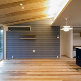 『上駒沢の家』プライベートを大切にした二世帯住宅 (リビング(子世帯))