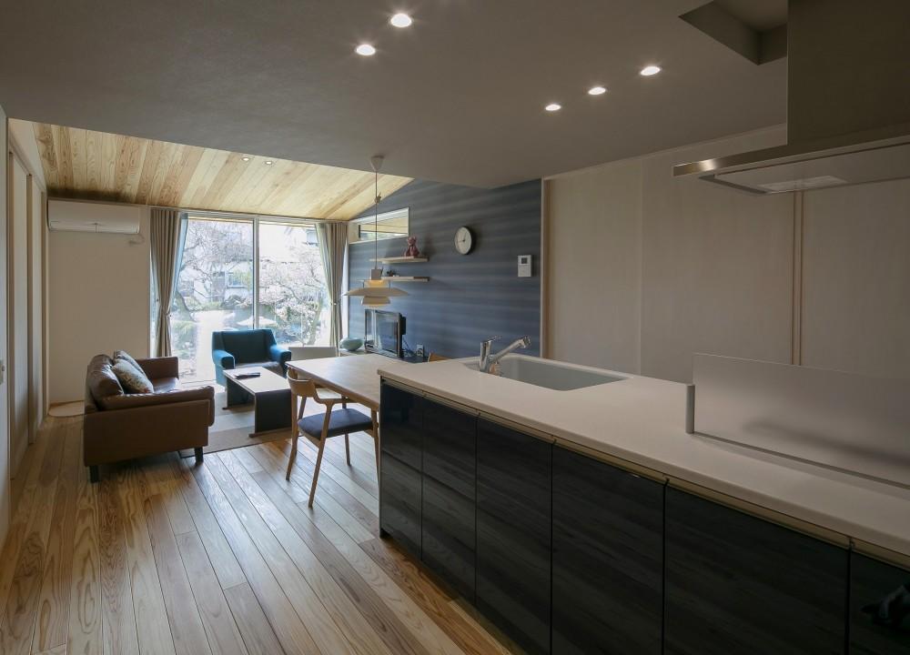 『上駒沢の家』プライベートを大切にした二世帯住宅 (暮らし始めたLDK(子世帯))