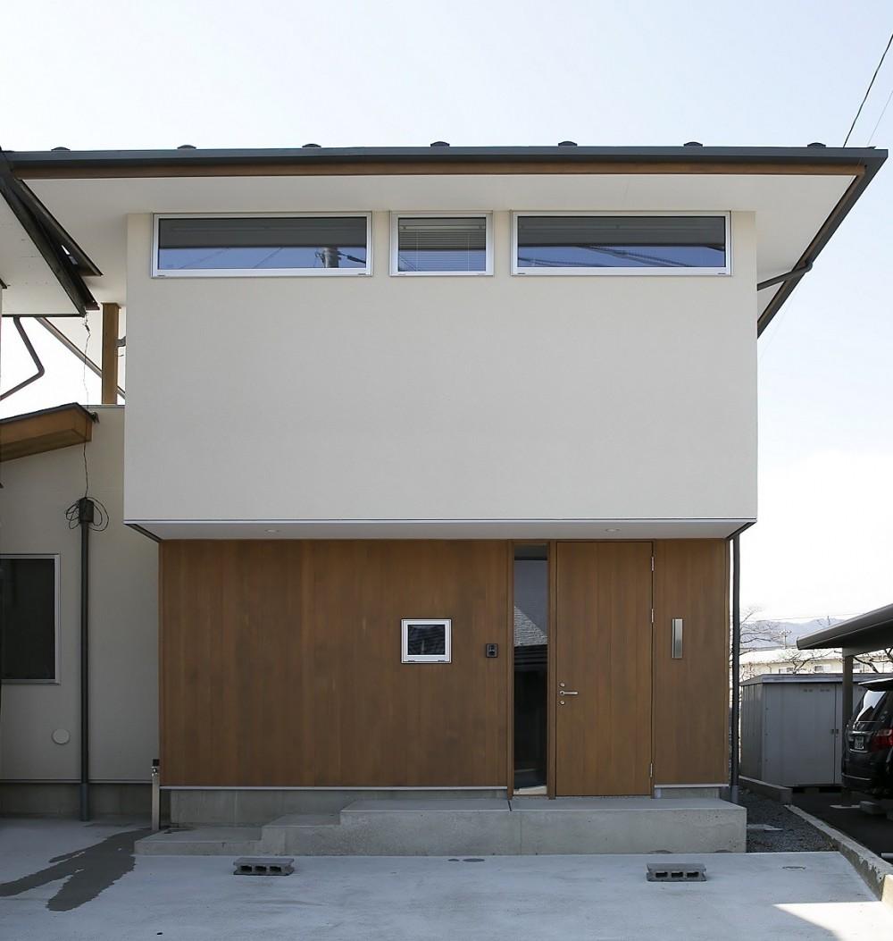 『上駒沢の家』プライベートを大切にした二世帯住宅 (子世帯のファサード)