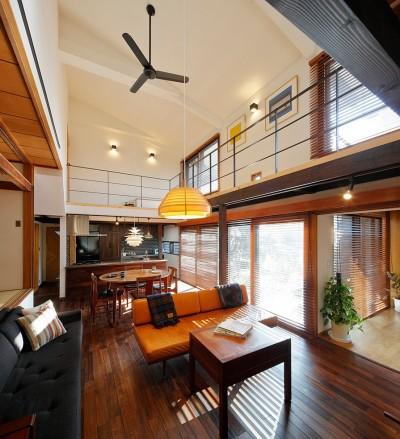 築50年木造の家-古きよき姿を残しながら住み継ぐリノベーション- (リフォームで洗練された姿に生まれ変わったリビング)