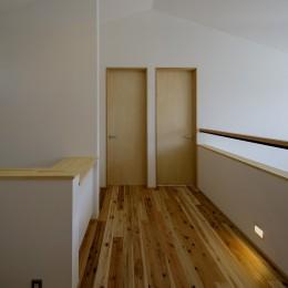 『須坂屋部町の家』思いっきり遊べる庭がある家 (2階ホール)