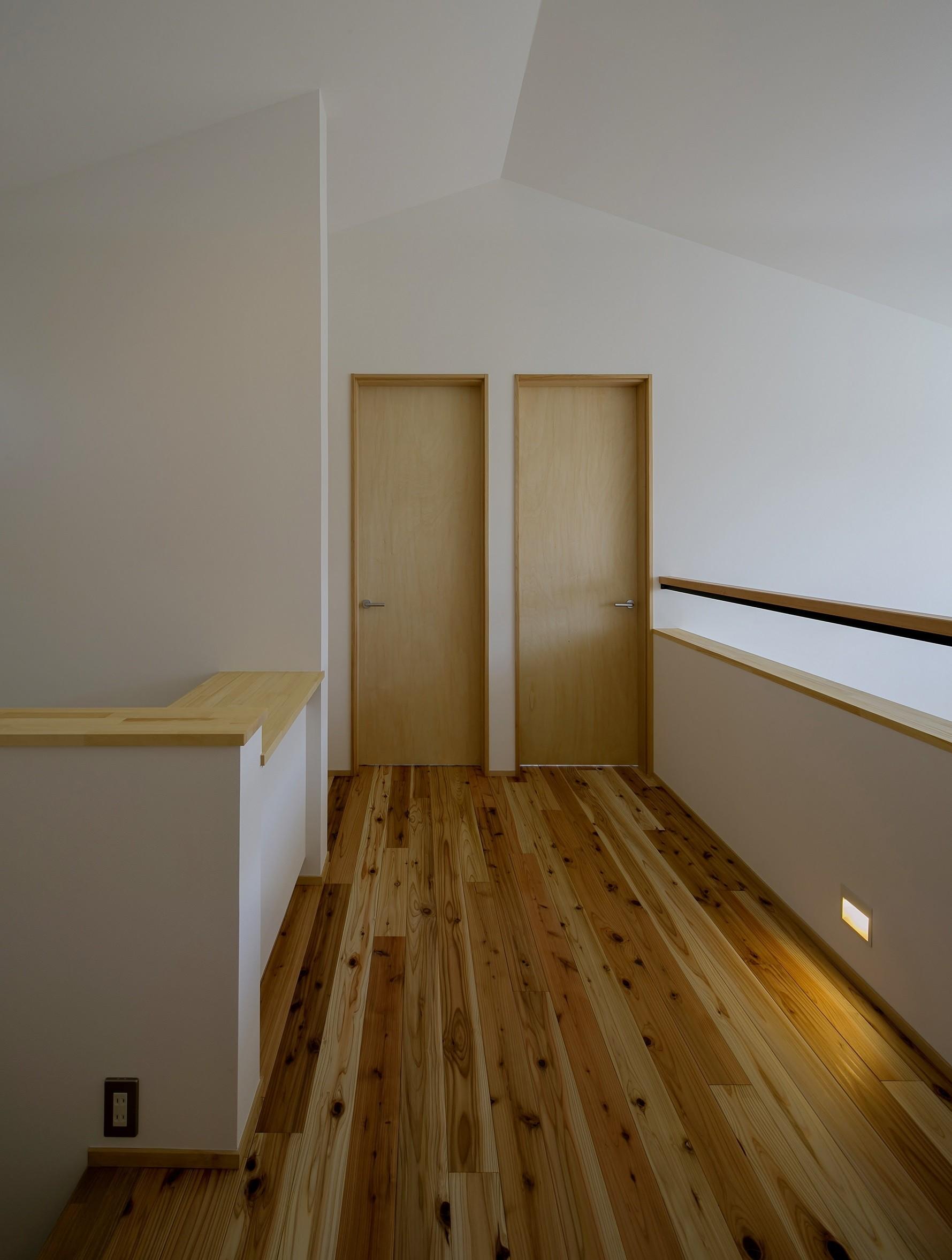 その他事例:2階ホール(『須坂屋部町の家』思いっきり遊べる庭がある家)