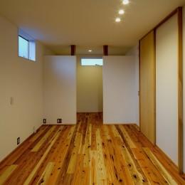 『須坂屋部町の家』 (ベッドルーム)