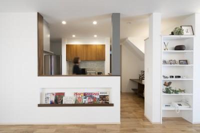 キッチン (三世代同居の丈夫で使いやすい家 「O-River」)