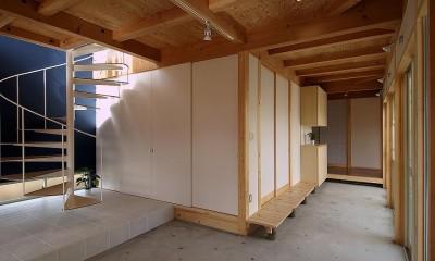 二世帯で楽しく暮らす家|吾妻川の家 (共用の土間スペース)