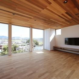カーテン要らずの爽快な暮らし。高台立地で選ぶ、2階LDK。「非日常が日常になる家」