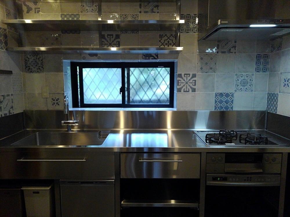 リノベーション住宅3 (奥様こだわりのオールステンレス製オーダーキッチン)