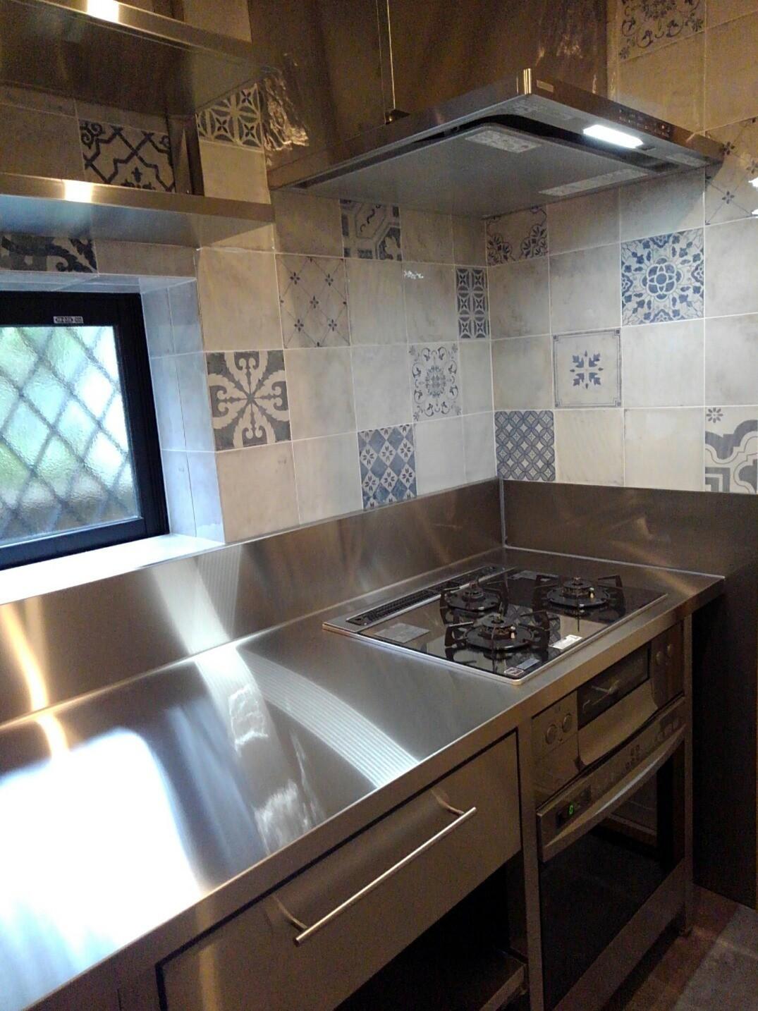 キッチン事例:オールステンレス製オーダーキッチン(リノベーション住宅3)