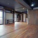 カグ ノ モリ - 壁面全面造作家具のリノベーション -の写真 書斎からキッチンへの眺め