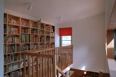 読書コーナー (大井町の家―中庭を囲むH型プラン)