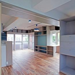 カグ ノ モリ - 壁面全面造作家具のリノベーション --個室からの眺め