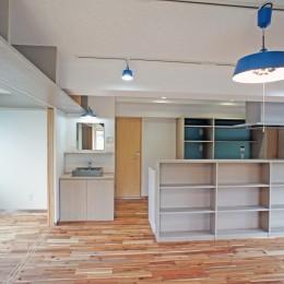 カグ ノ モリ - 壁面全面造作家具のリノベーション --キッチンの眺め
