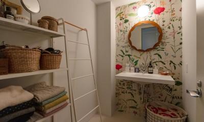 フレンチシックな「妻っぽい家」 (洗面室)