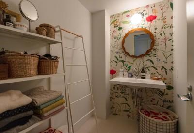 洗面室 (フレンチシックな「妻っぽい家」)