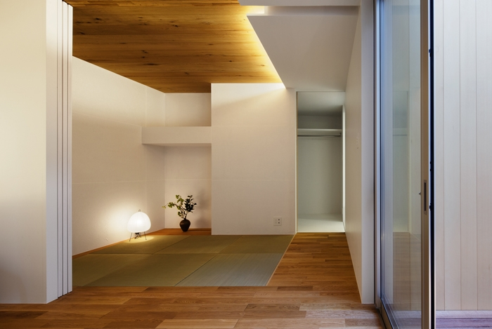 二世帯の生活を中庭が繋ぐ( 大東の家 )の部屋 和室