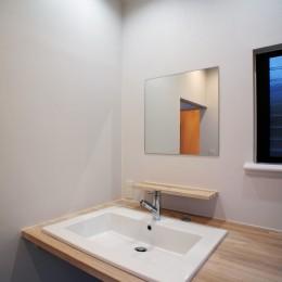 ヒキザン ノ イエ - 減築からうまれる豊かなつながり - (シンプルな洗面台)