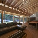 稲村ヶ崎の住宅 - 建物と自然からうまれる平屋中庭住宅 -の写真 リビングの眺め