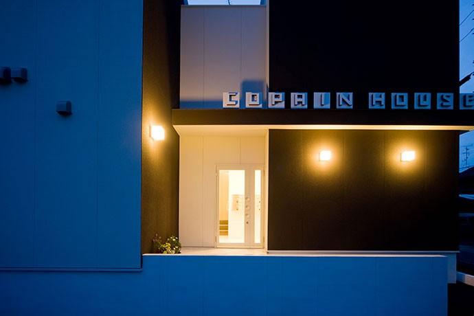 COPAIN HOUSE/四角のシンプルアパートメント (外観)