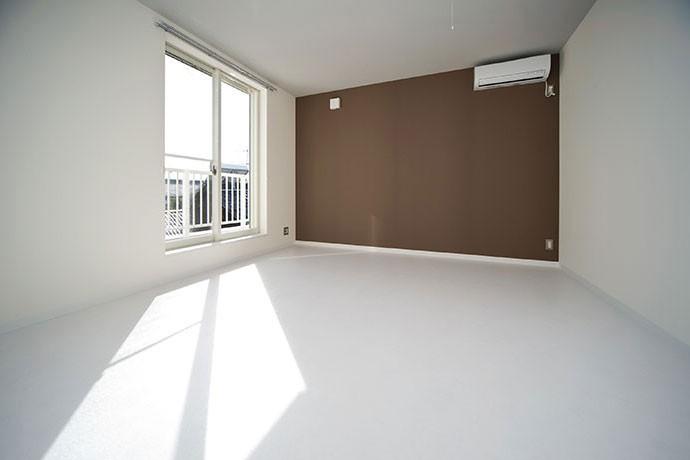 COPAIN HOUSE/四角のシンプルアパートメント (寝室)