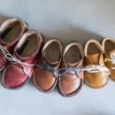 父の背中 ~靴工房のある住まい~の写真 親子の靴