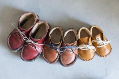 親子の靴 (父の背中 ~靴工房のある住まい~)