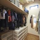 稲村ヶ崎の住宅 - 建物と自然からうまれる平屋中庭住宅 -の写真 家族共有のシェアストレージ