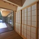 稲村ヶ崎の住宅 - 建物と自然からうまれる平屋中庭住宅 -の写真 雪見障子