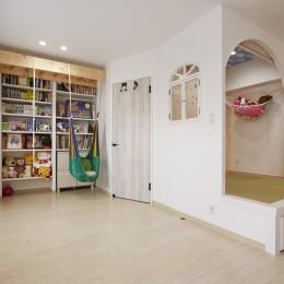 お子様が喜ぶアイデアいっぱいの楽しいお家 (家族の時間を共有できるスペース)