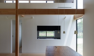 リビングダイニング|佐倉の別荘 子育て世代の週末住宅