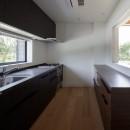 佐倉の別荘 子育て世代の週末住宅の写真 ダイニングと繋がるキッチン