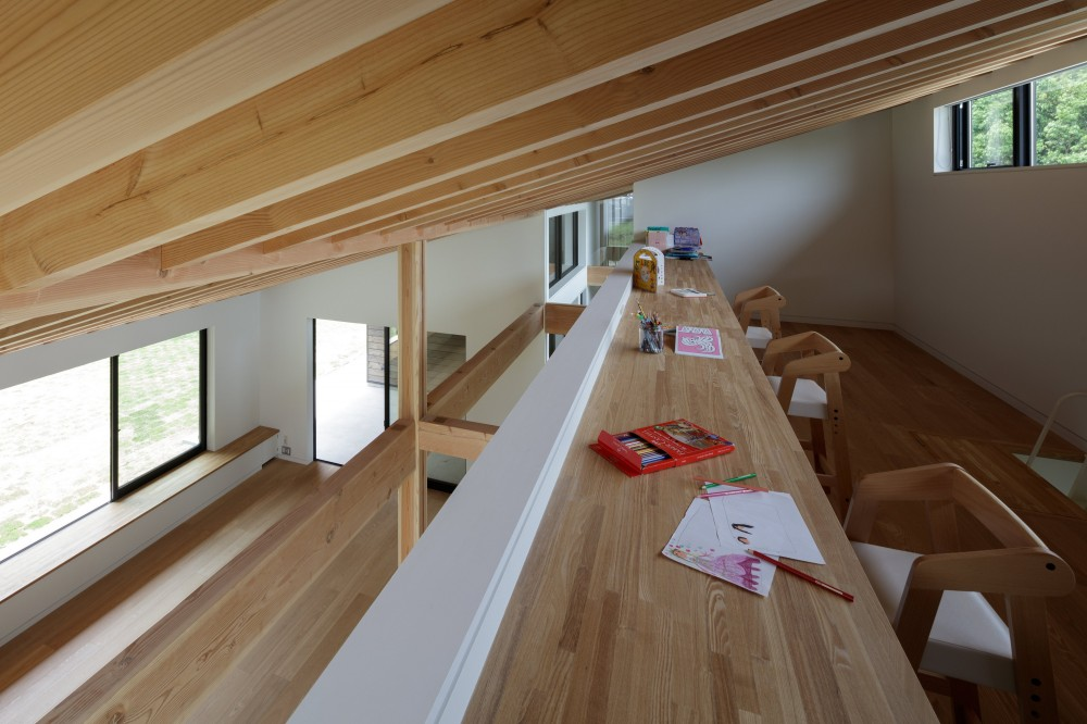 佐倉の別荘 子育て世代の週末住宅 (ロフトのファミリルーム)