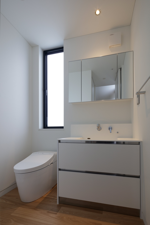 バス/トイレ事例:トイレ・洗面(佐倉の別荘 子育て世代の週末住宅)