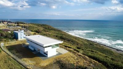 水平線の家 大海原の風景と暮らす家 (建物外観)