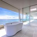 水平線の家 大海原の風景と暮らす家の写真 絶景のバスルーム