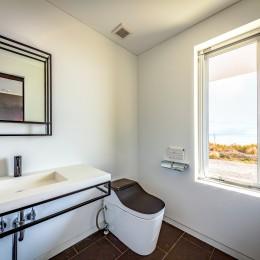 水平線の家 大海原の風景と暮らす家 (離れの和室に付属する浴室)