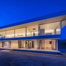 水平線の家 大海原の風景と暮らす家の写真 建物外観(夜景)
