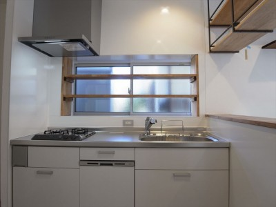 キッチン (多用途なオープンスペースの家)