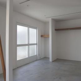多用途なオープンスペースの家 (ダイニング)
