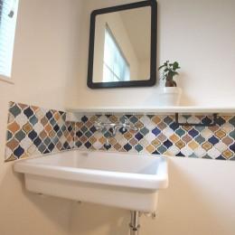 オリジナル!かわいらしさと便利さがうれしい造作手洗器 (洗面台)