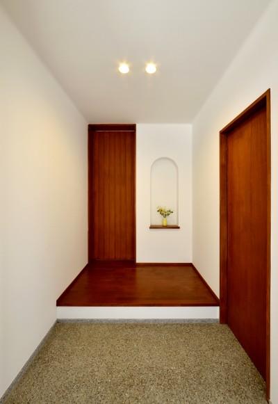 玄関ホール (『七瀬中町の家』)