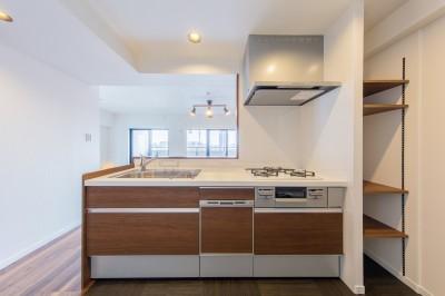 キッチン (~ 費用を抑えつつ素敵で快適な暮らしに ~ 築21年マンション×リノベーション ~)