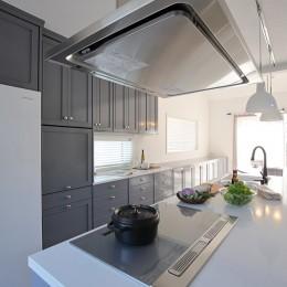 S邸 (フラットで使いやすいキッチンスペース)
