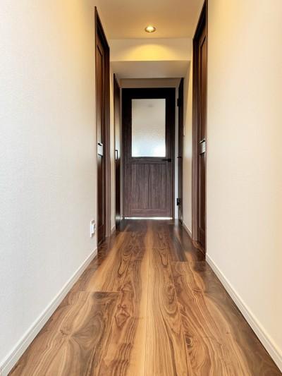 廊下 (~ 費用を抑えつつ素敵で快適な暮らしに ~ 築21年マンション×リノベーション ~)