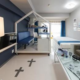 クリエイティブな職業の方向けマンション/可動する書斎のあるお部屋 (リビング/書斎/ベッドルーム)