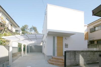 外観 (中庭を囲む家)