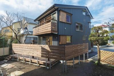 外観_耐久性の高いガルバリウム鋼板 (五つ葉の家|狛江市(注文住宅))