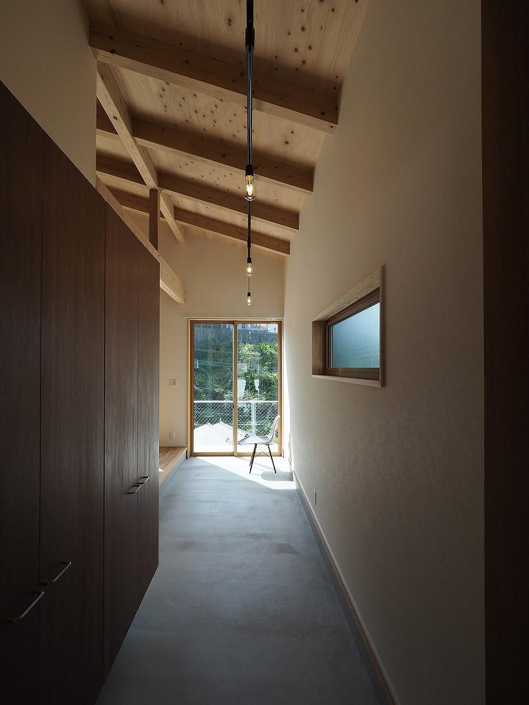 岩本 愛「富高の家」