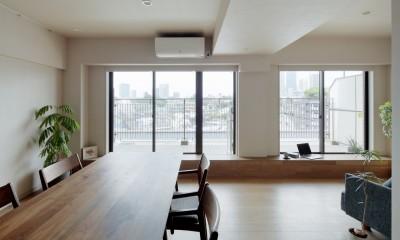 白金台N邸  光を取り込む斜めリビングの家 (高台からの眺望を楽しむリビングダイニング)