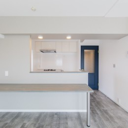 グレーを基調としたシャビーシックの空間 築34年マンション×リノベーション